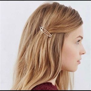 Accessories - Unique Safety Pin Hair Clip